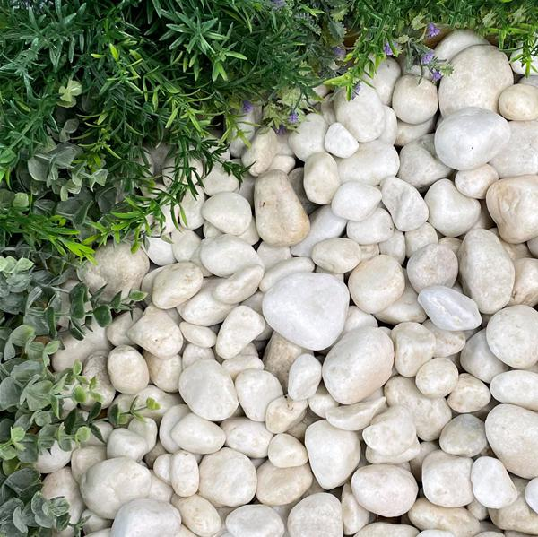 Polar White Pebbles 20-40mm